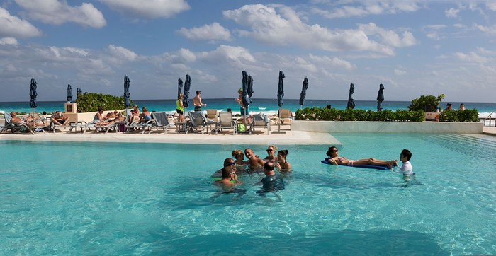 Circle of Friends,  Secrets Resort, Cancun