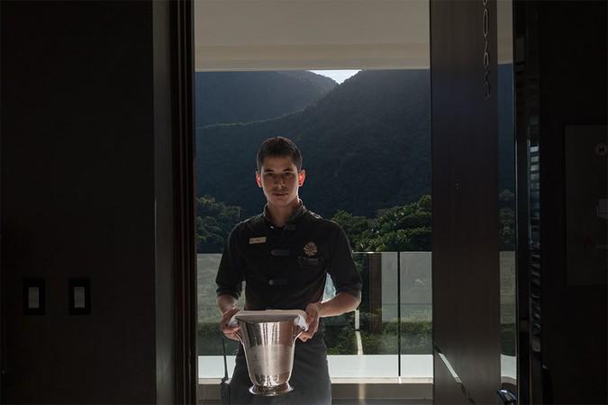 Aurturo, Room Service, 19, 6 mo, Puerto Vallarta