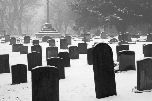 Balsham Churchyard. Winter.