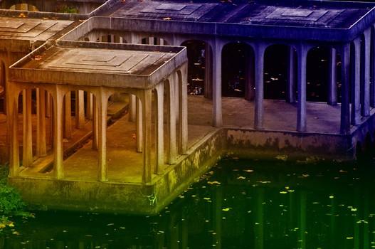 GLASS HOUSE - LAKE PAVILLION STUDY 2