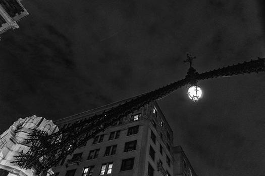 HARLEM LAMPLIGHT