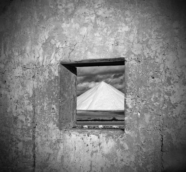 Window, Salt Mound