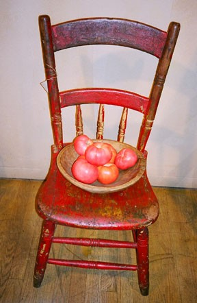 Bar Harbor chair with fruit