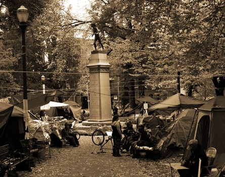 Soldier's Monument - Lawnsdale Square
