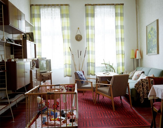 GDR Museum: Living room from the 60's